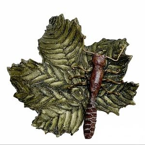 Green leaf with ant large brooch pin